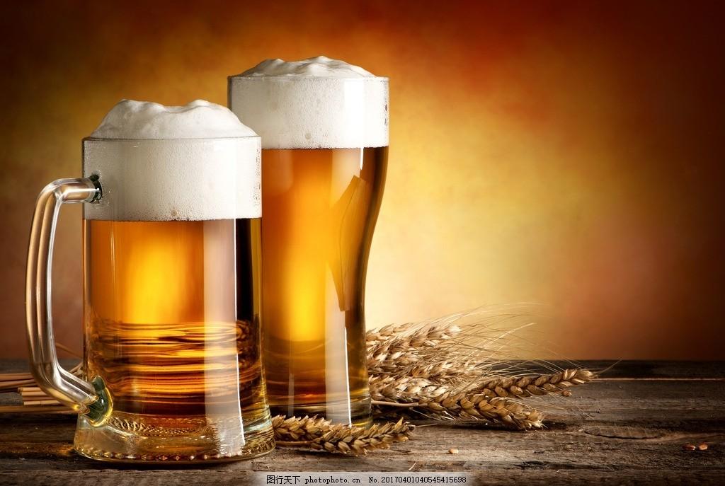酒瓶 酒水 排列 扎啤 啤酒瓶 啤酒桶 酒瓶包装 霓虹灯 超市一角 青岛