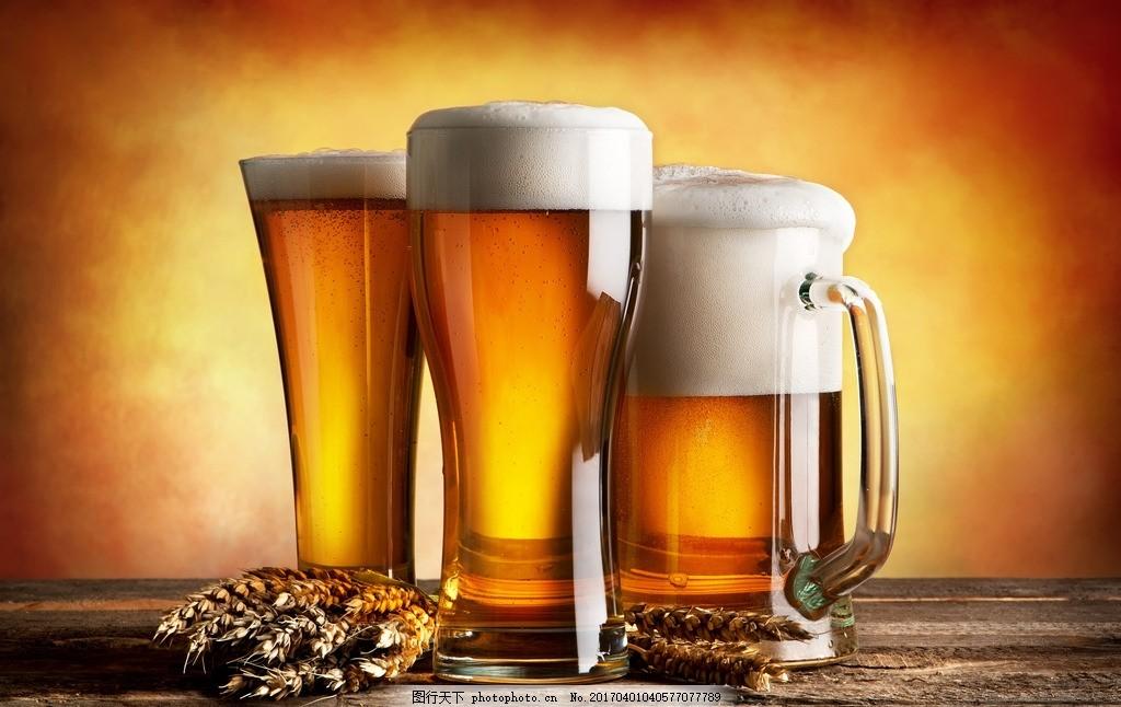 酒水 排列 扎啤 啤酒瓶 啤酒桶 酒瓶包装 霓虹灯 超市一角 青岛啤酒