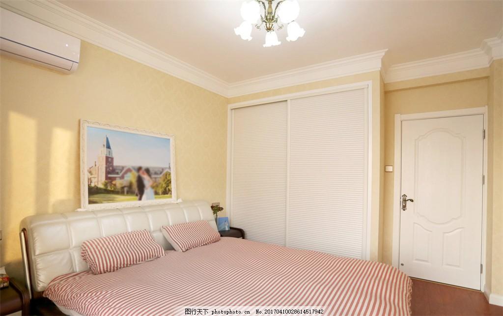 现代简欧卧室装修效果图图片
