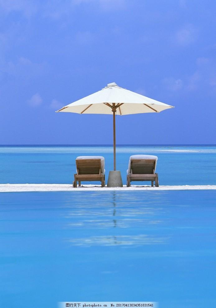 海滩 沙滩 沙滩椅 太阳伞 游泳池 蓝天 摄影 素材 自然风景山水田园