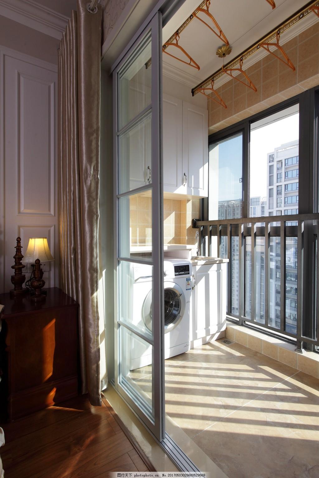现代别墅阳台装修效果图