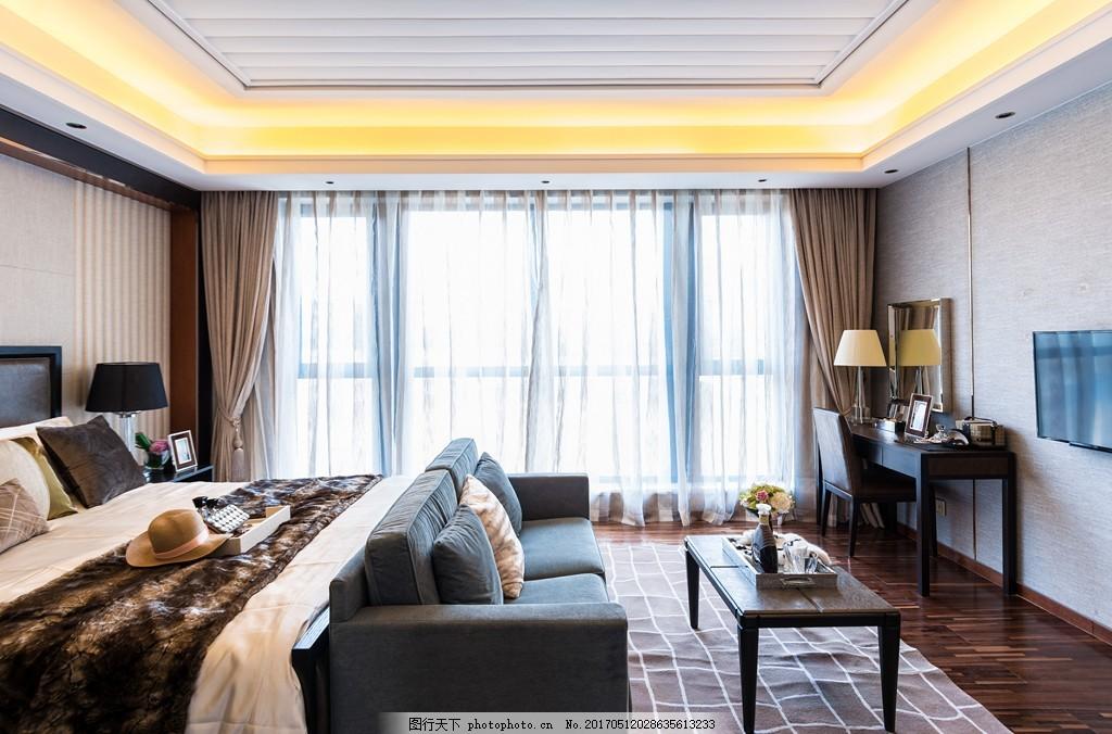 现代时尚卧室大床落地窗设计图