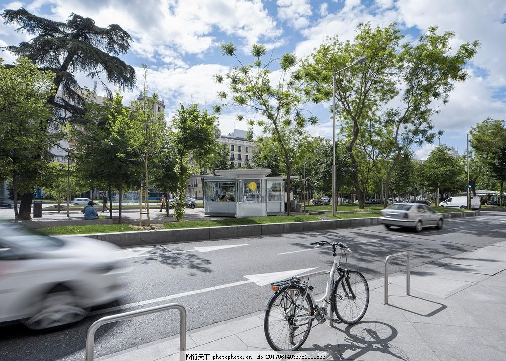 国外街景 公路 汽车 单车 自行车 便利店 蓝天白云 绿化树木